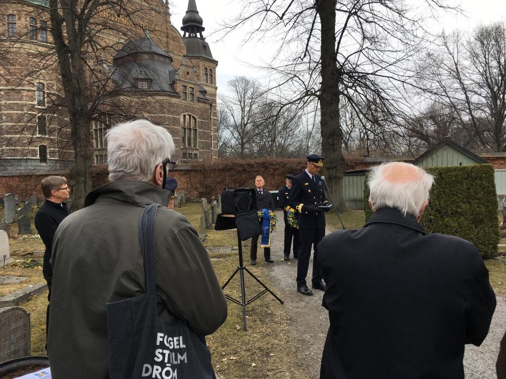 Commodore Anders Olofsson speak.